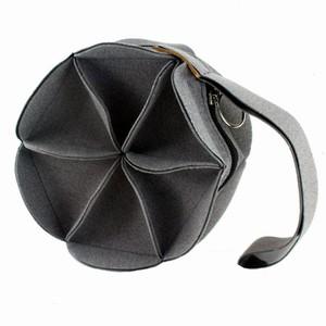 Blossom taske – grå filt – pris 125.00