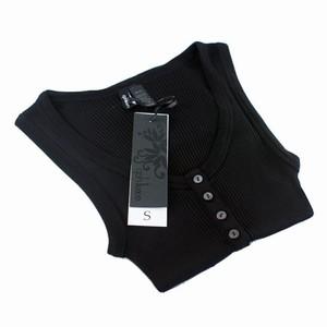 Sort silketop fra Cph Luxe – med knapper – pris 299.00
