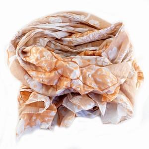 Tørklæde med koral blomster – pris 149.00