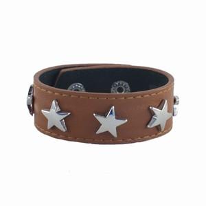 Læderarmbånd med stjerner - brun