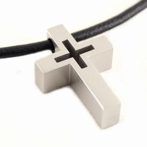 Herre halskæde med stål kors – pris 299.00