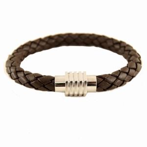 Kraftig brun læderarmbånd – 21 cm – pris 250.00