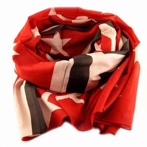 Tørklæde med flag – rød – pris 159.00